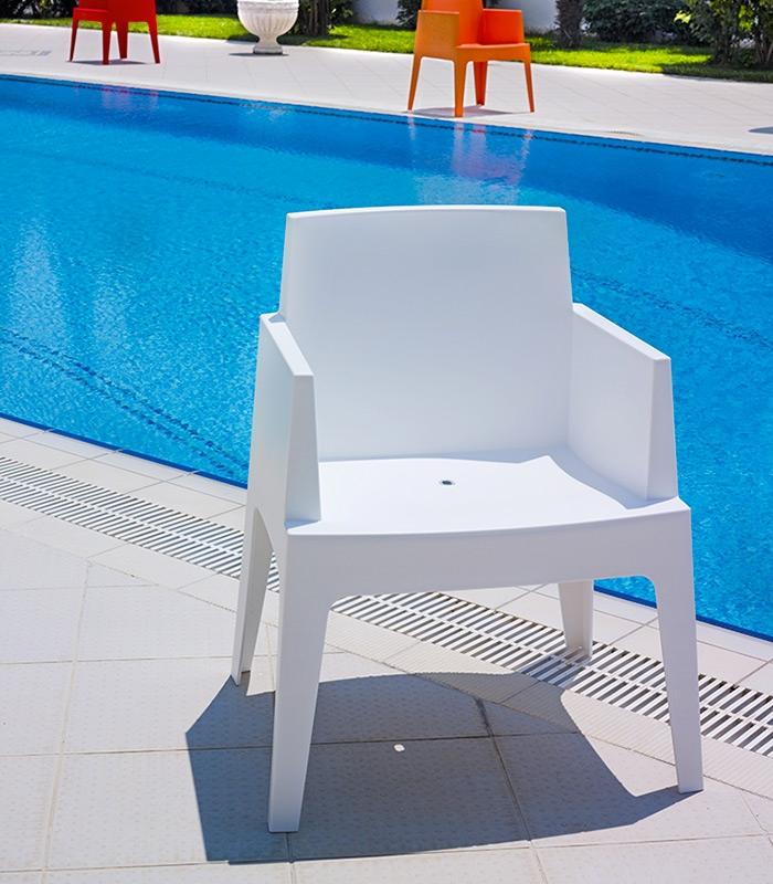 fauteuil de terrasse box blanc empilable r sine monobloc. Black Bedroom Furniture Sets. Home Design Ideas