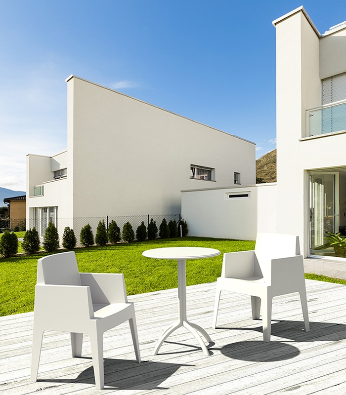 fauteuil de terrasse box blanc empilable r sine monobloc. Black Bedroom Furniture Sets. Home Design Ideas