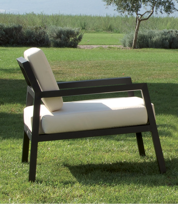 salon de jardin alu design avec coussins. Black Bedroom Furniture Sets. Home Design Ideas