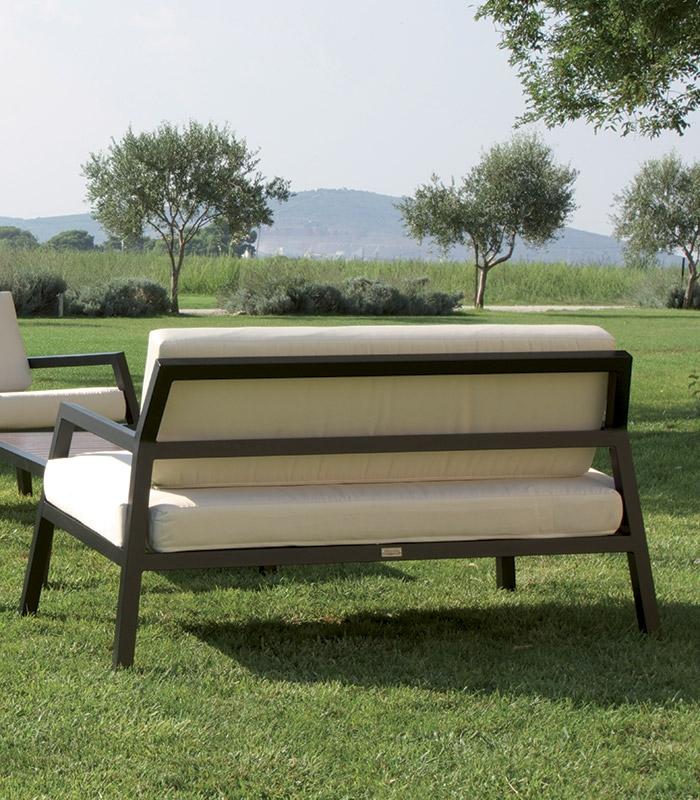 salon de jardin alu design avec coussins. Black Bedroom Furniture Sets. Home Design Ideas
