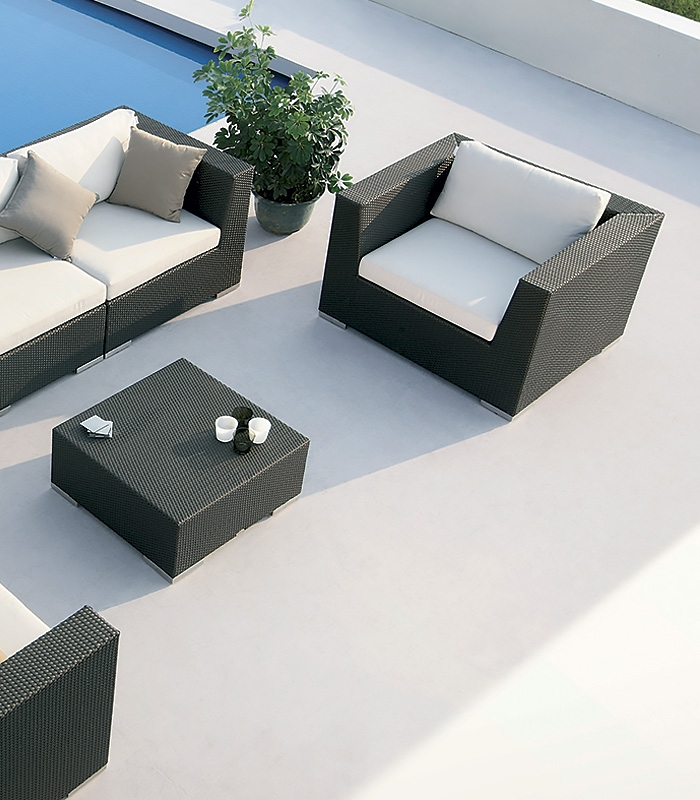 salon de jardin modulable en r sine tress e pullmann. Black Bedroom Furniture Sets. Home Design Ideas