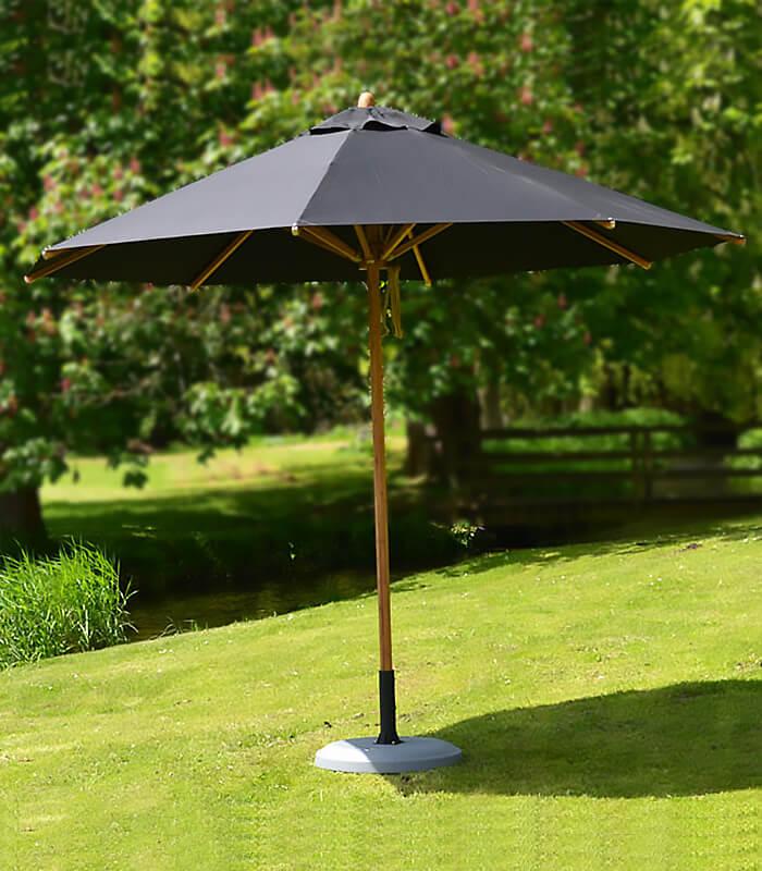 parasol bambou et toile rond levante de marque bambrella. Black Bedroom Furniture Sets. Home Design Ideas