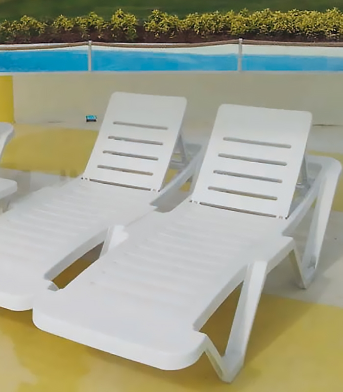 transat plastique master sp cial collectivit camping plage. Black Bedroom Furniture Sets. Home Design Ideas